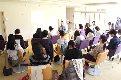 高尾先生のクラス風景