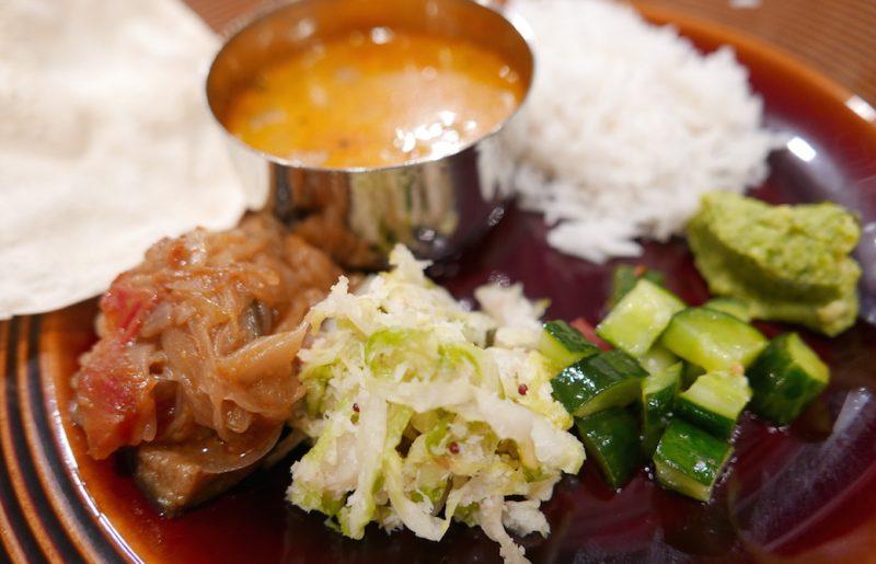和也先生が用意した準備食(南インド料理)