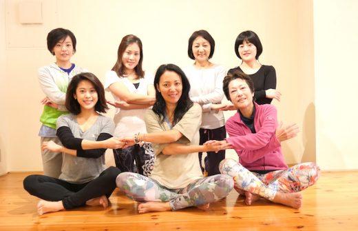 福田真理先生によるアーユルヴェーダヨガ5日間実践プログラム集合写真