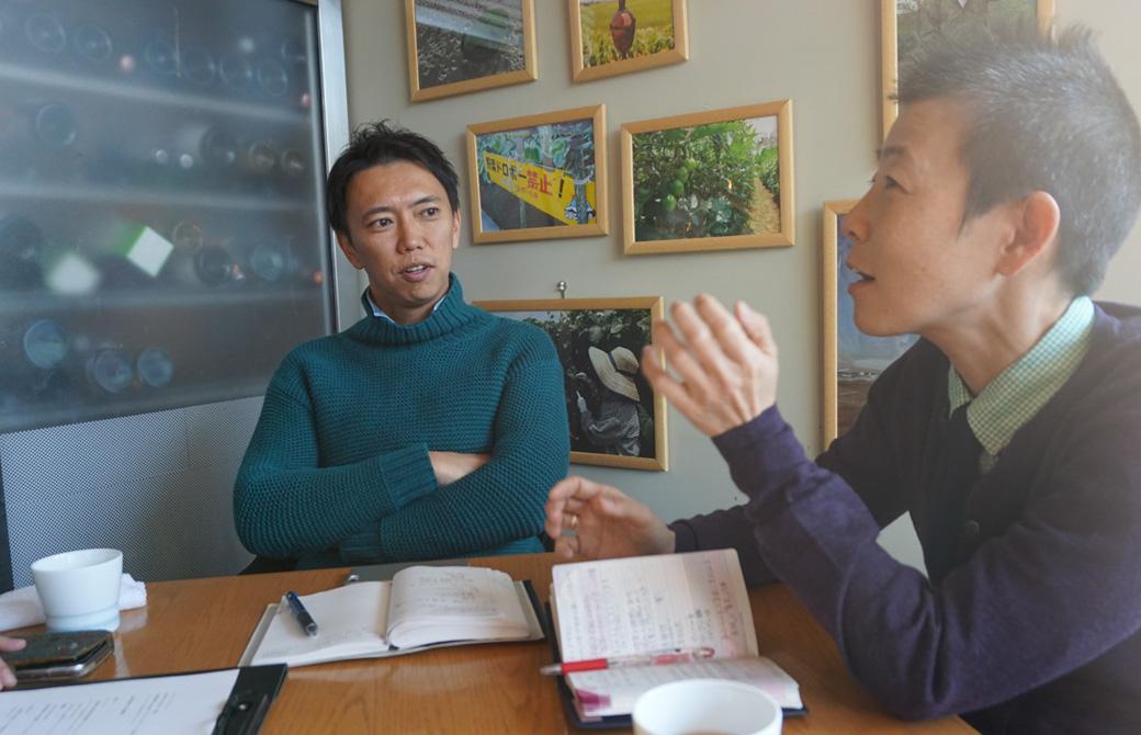 ヨガジェネレーション代表酒造博明と産婦人科医・高尾美穂先生の打ち合わせ風景