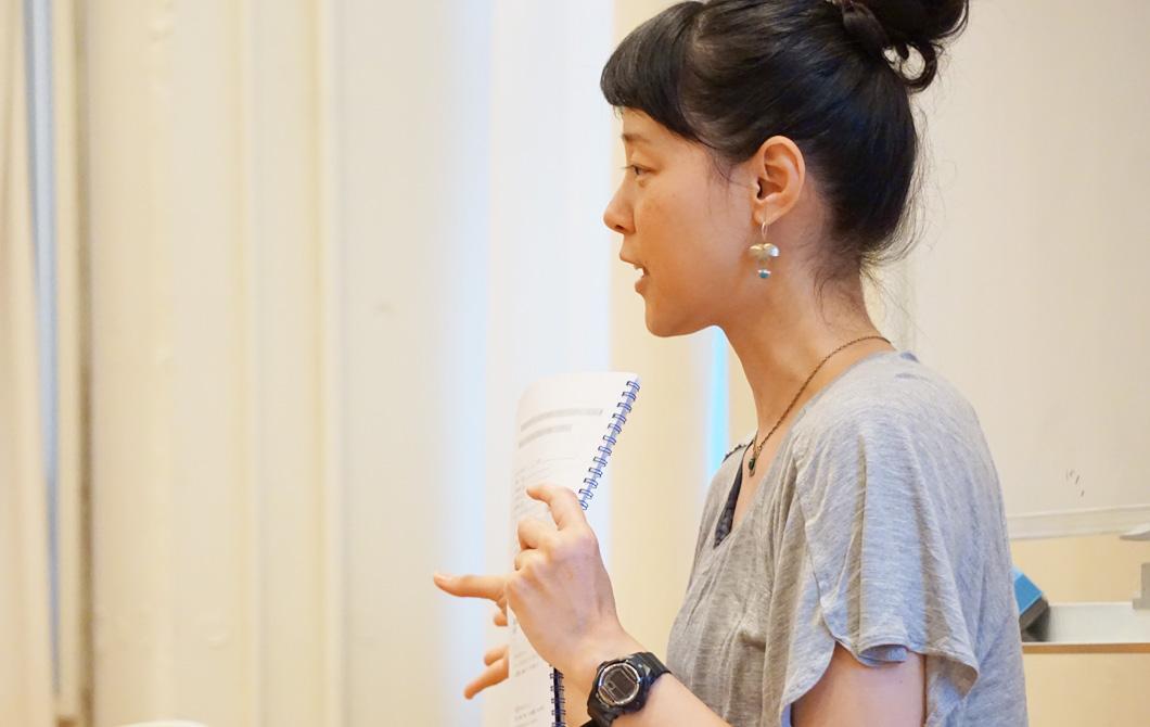 山田いずみ先生の横顔