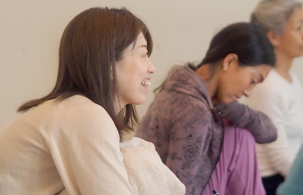 講義を受けているヨガジェネレーションスタッフ米田