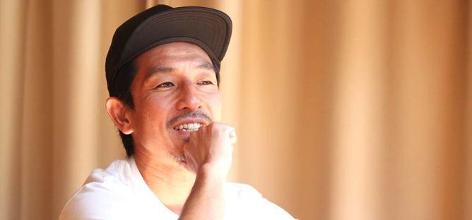 山本俊朗先生がインタビューを受けている