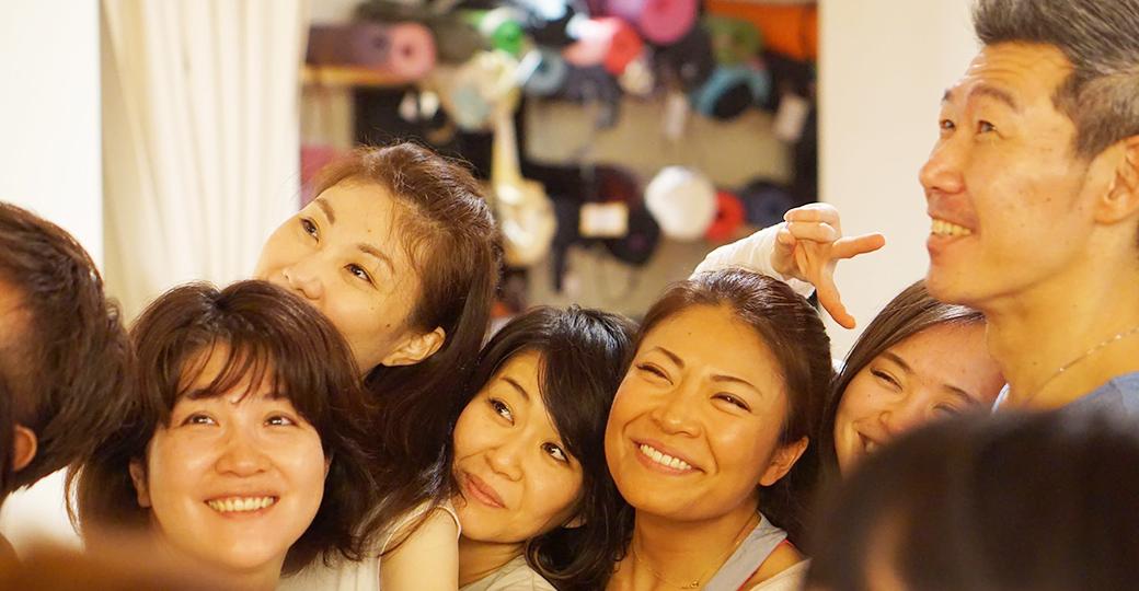 RYT200ヨガ指導者養成講座メイン講師の中島正明先生の笑顔
