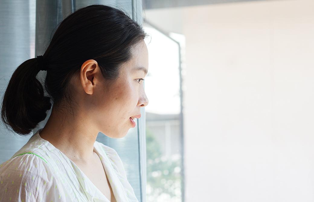 ヨガ講師佐久間涼子先生の横顔