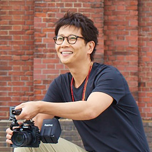 動画編集講座の南周平先生