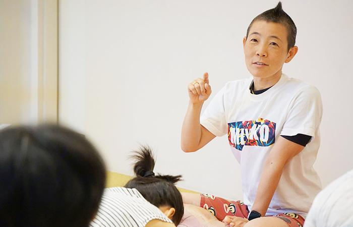 産婦人科医高尾美穂先生が月経について解説している