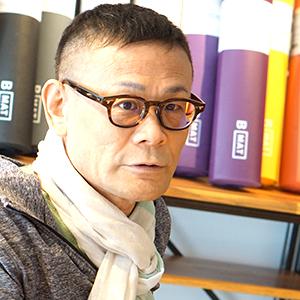 インタビューに答える内田かつのり先生