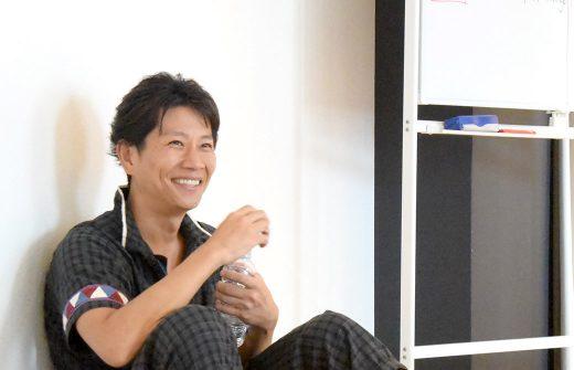 ヨガ動画編集講座で講義をされる南周平先生