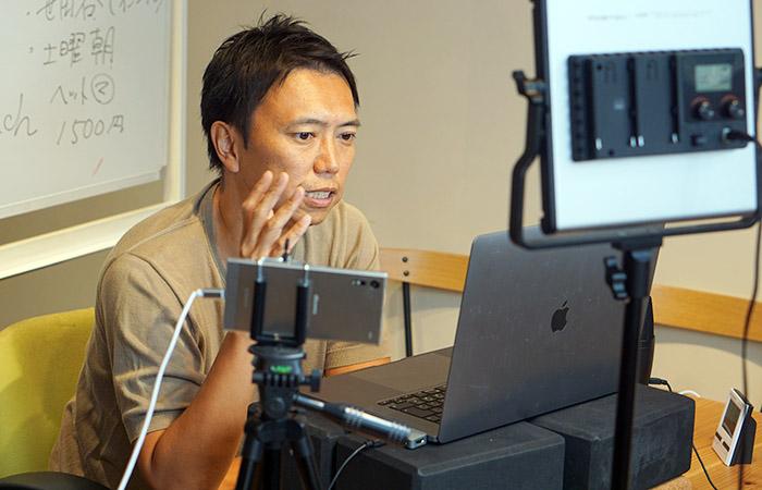 「ヨガビジネス講座」で講師を務めるMIKIZO